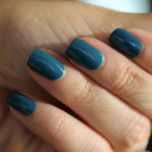 cnd shellac blue rapture на ногтях