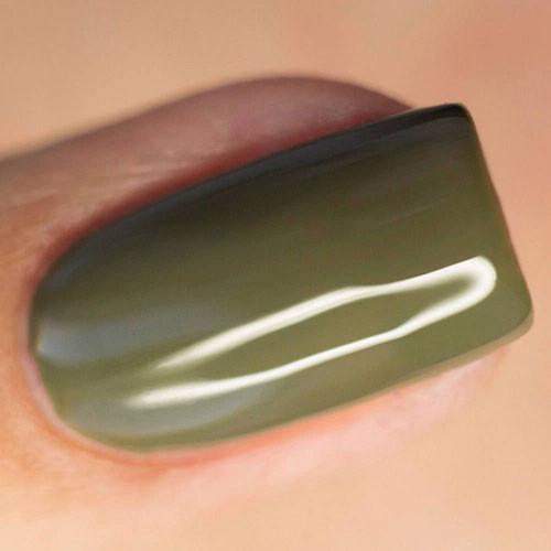 masura basic свежая оливка 11 мл на ногтях
