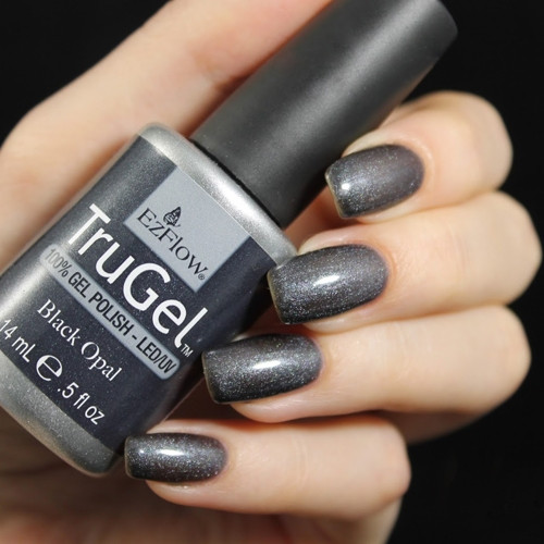 trugel black opal фото на ногтях