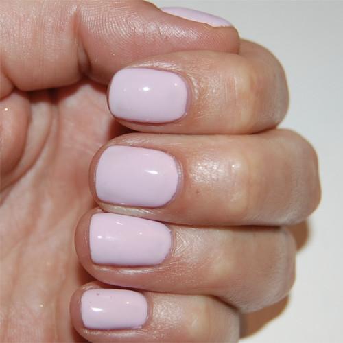 Гель-лак Bluesky 80547 (нежно-розовый) фото на ногтях