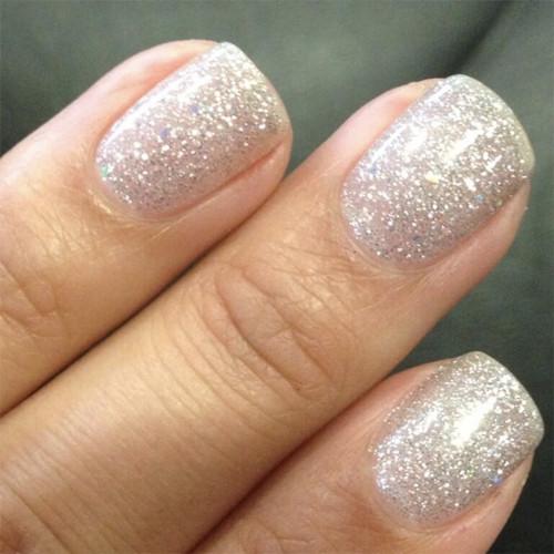 Гель-лак Bluesky 80573 (серебристые блестки) на ногтях