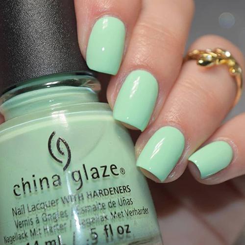 china glaze highlight of my summer фото на ногтях