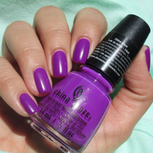 china glaze violet-vibes фото на ногтях