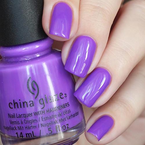 china glaze plur-ple фото на ногтях