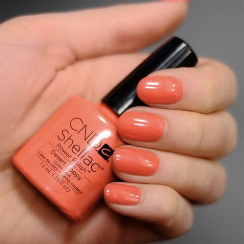 cnd shellac desert poppy фото на ногтях