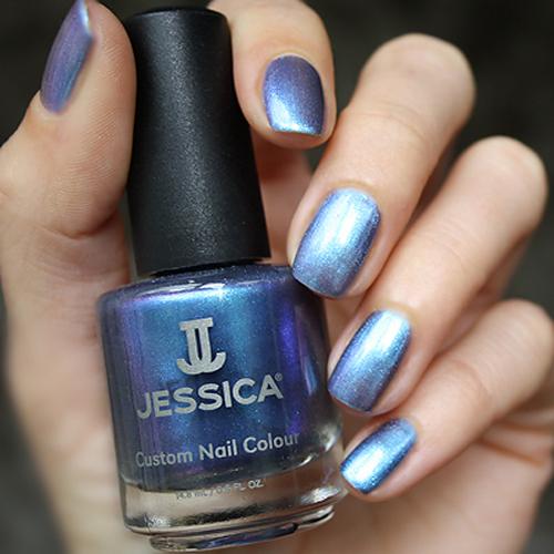 geleration 945 krishna blue фото на ногтях