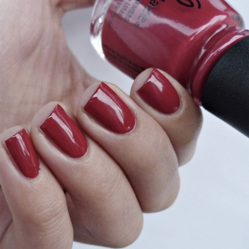 china glaze tip your hat фото на ногтях