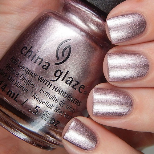 china glaze chrome is where the heart is фото на ногтях