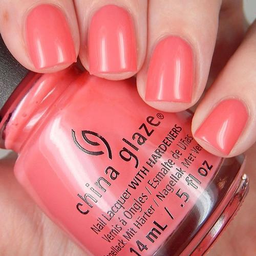 china glaze about layin out фото на ногтях