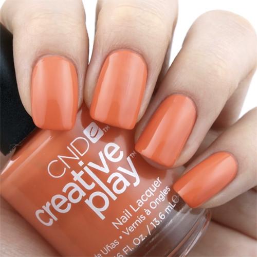 cnd creative play hold on bright на ногтях