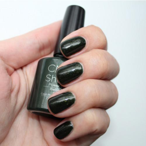 cnd shellac pretty poison фото на ногтях