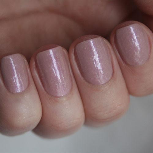 cnd shellac fragrant freesia фото на ногтях