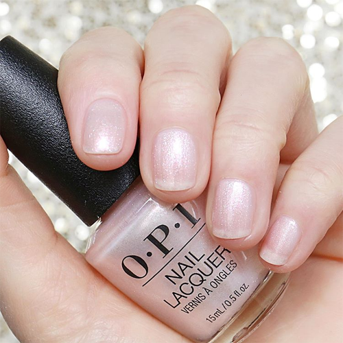 opi throw me a kiss фото на ногтях