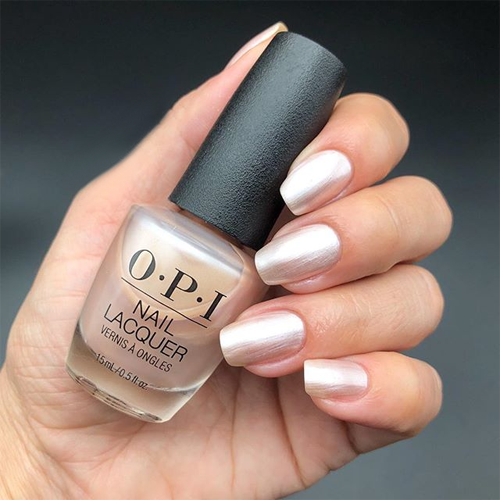 opi chiffon-d of you фото на ногтях