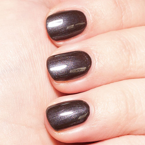 opi gelcolor love is hot and coal фото на ногтях