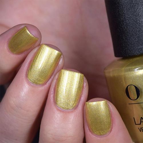opi suzi's slinging mezcal фото на ногтях