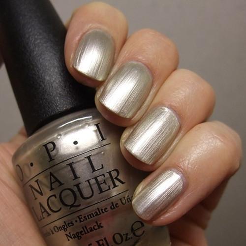 opi this silver's mine фото на ногтях