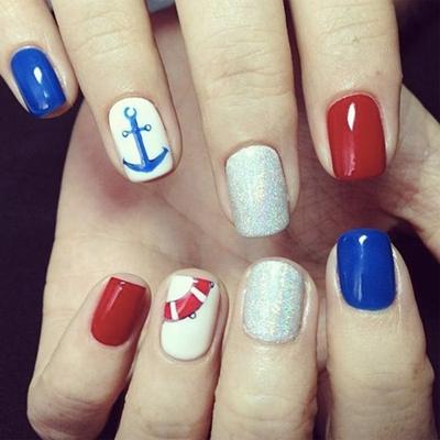 дизайн ногтей на море 1